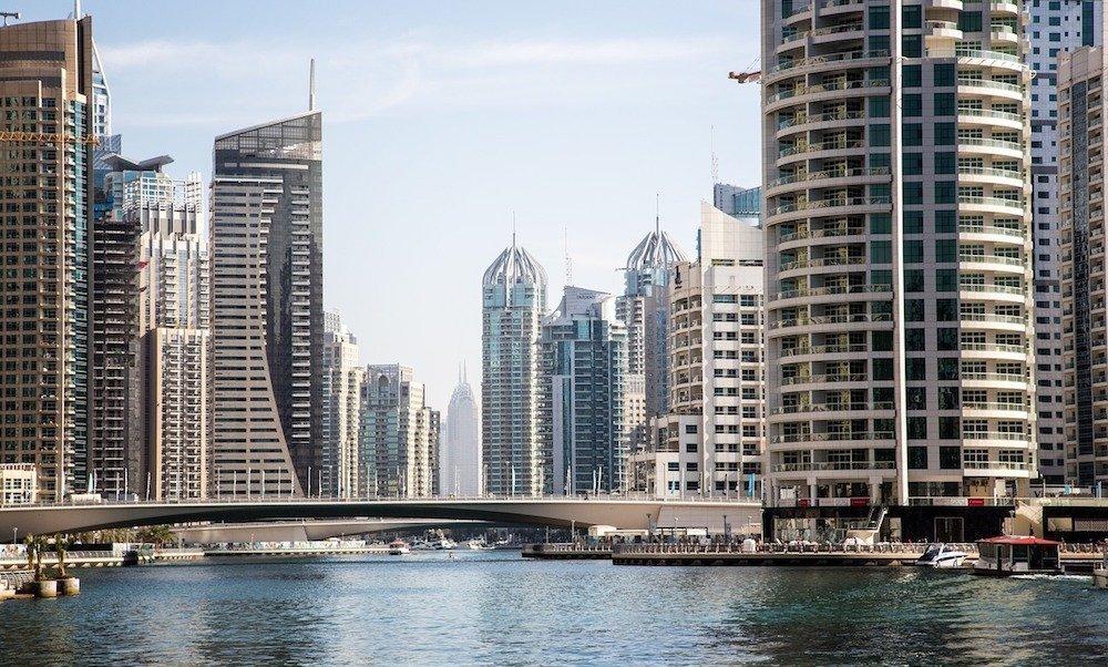 Collegare i club a Dubai