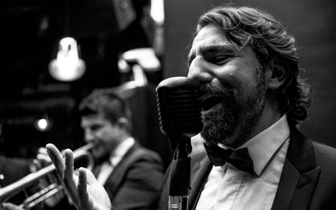 Mark Zitti e i Fratelli Coltelli, la band ufficiale della comunità italiana a Dubai